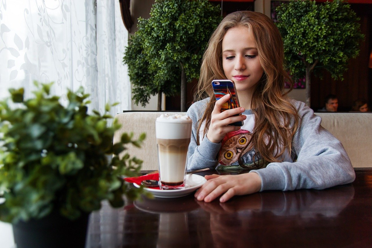 girl, teen, smartphone